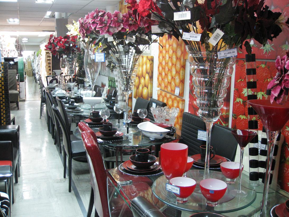 ...but they had all the chairs, plates, glasses, and crazily-oversized vases that a girl could ask for!