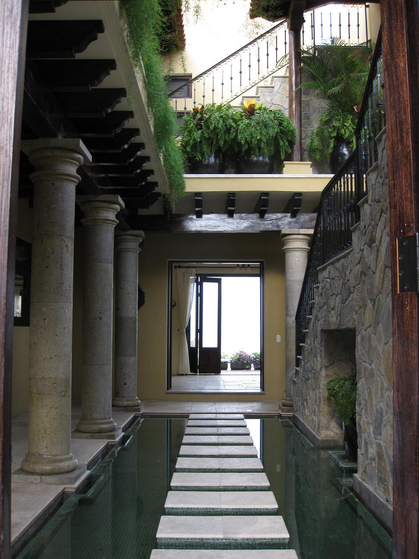 The entryway into Villa Escondida